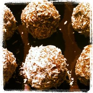 nut spheres
